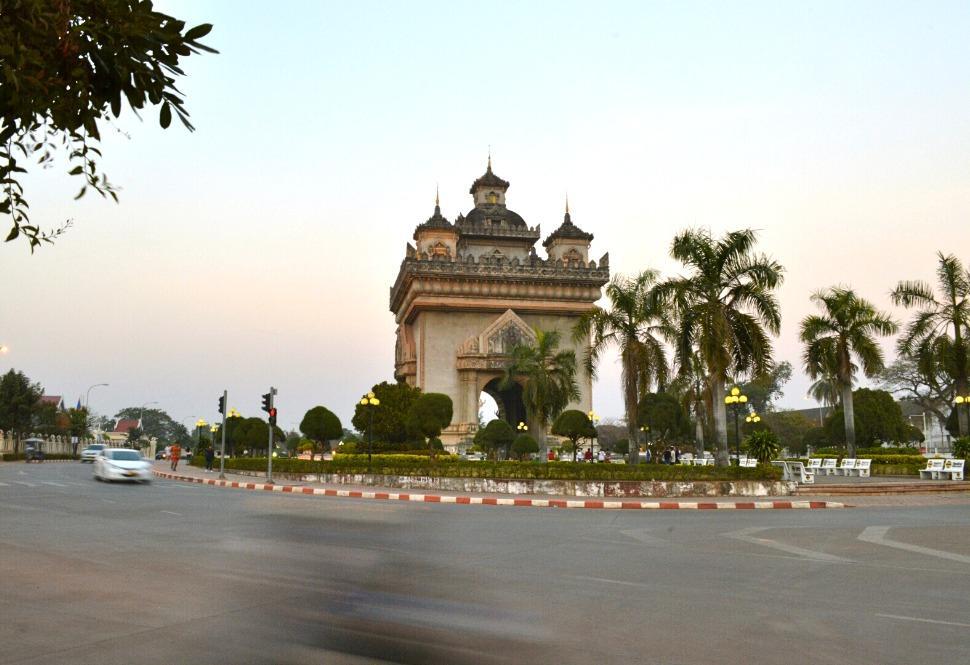 Patuxai Arch, Vientiane