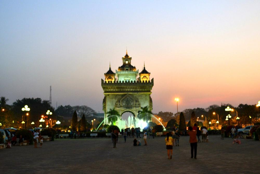 Patuxai Arch, Vientiane at night