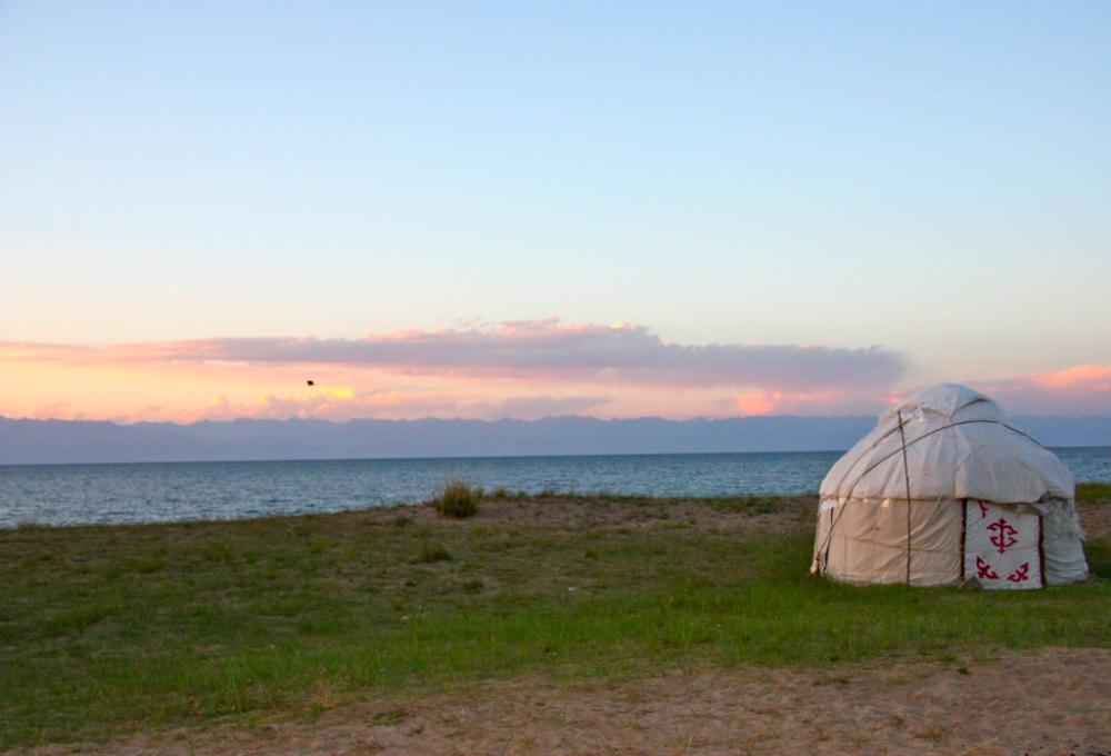 yurt backpacking kyrgyzstan
