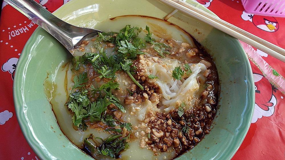 shan noodles burmese market chiang mai thailand