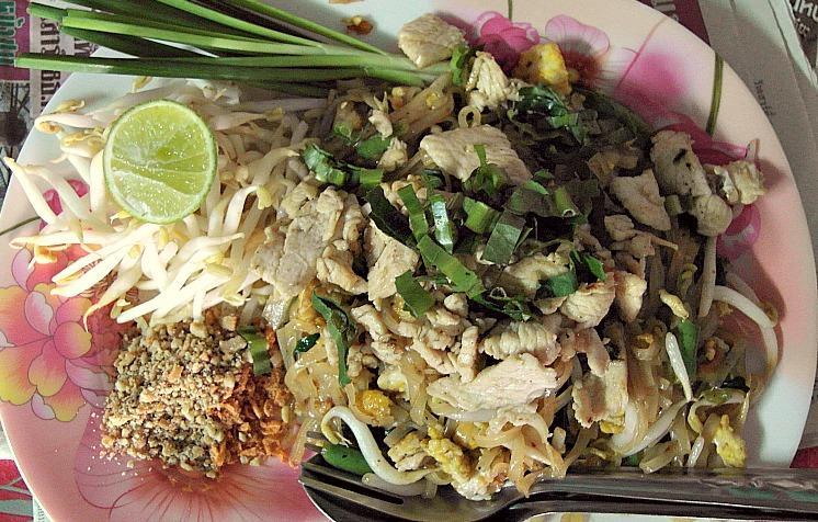 best pad thai chiang mai thailand