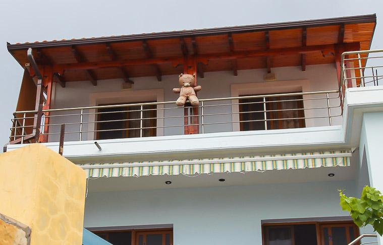 hanging teddy bears Albania