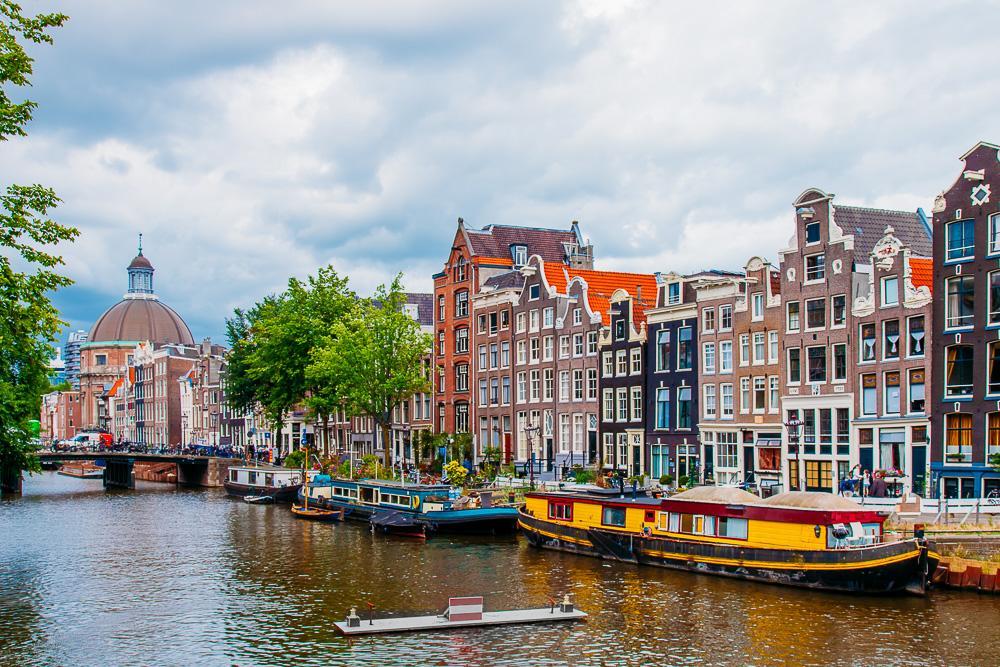 amsterdam beautiful canals netherlands