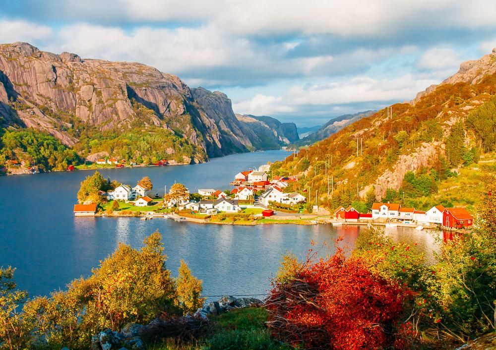 Roligheten, Ana-Sira, summer in Norway