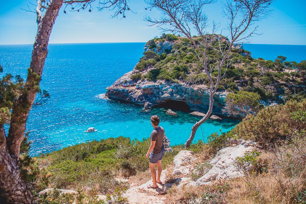 hike calo des moro mallorca beach