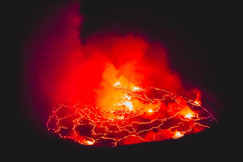 world's largest lava lake mount nyiragongo volcano dr congo