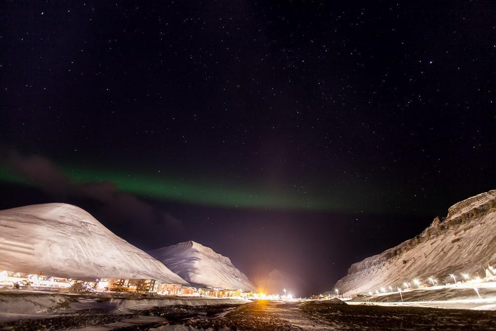 longyearbyen svalbard northern lights norway
