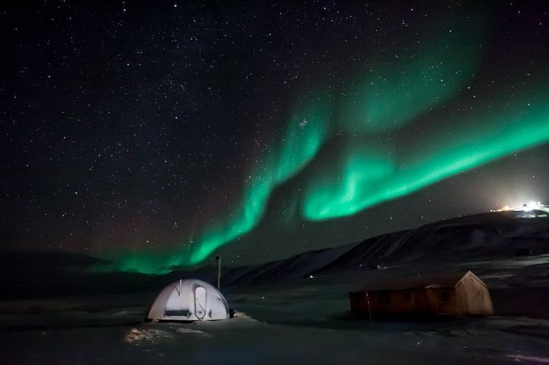 svalbard northern lights