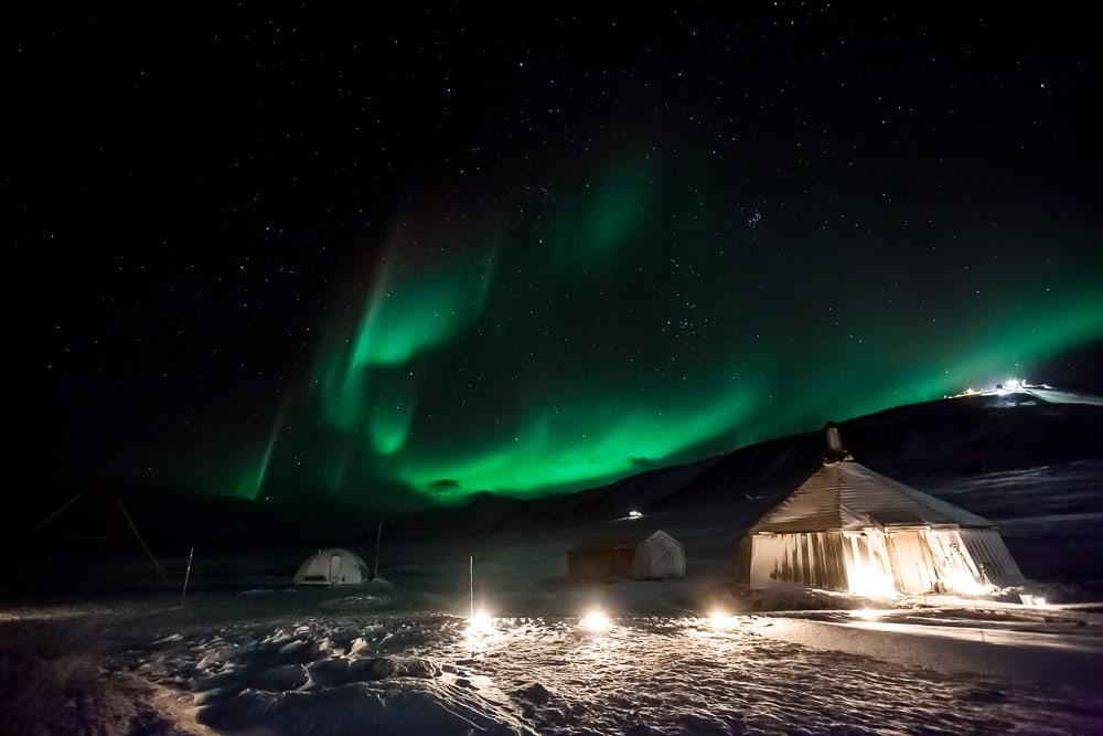 northern lights svalbard camp barentz