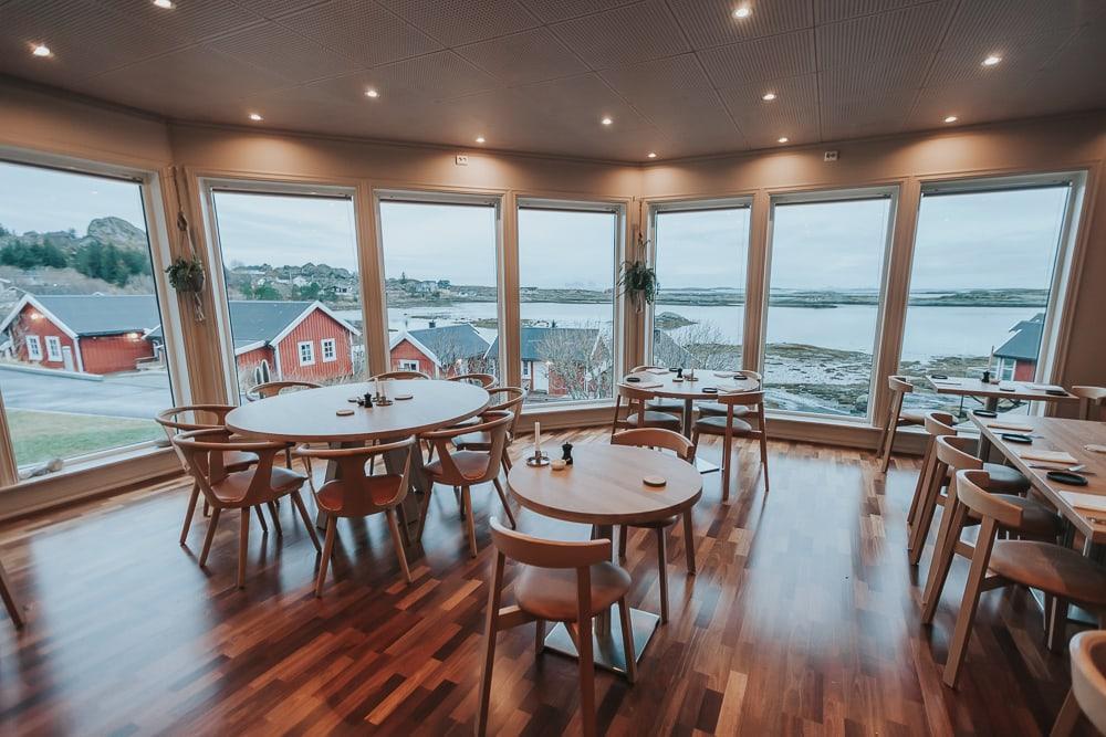 lovund hotel restaurant helgeland norway