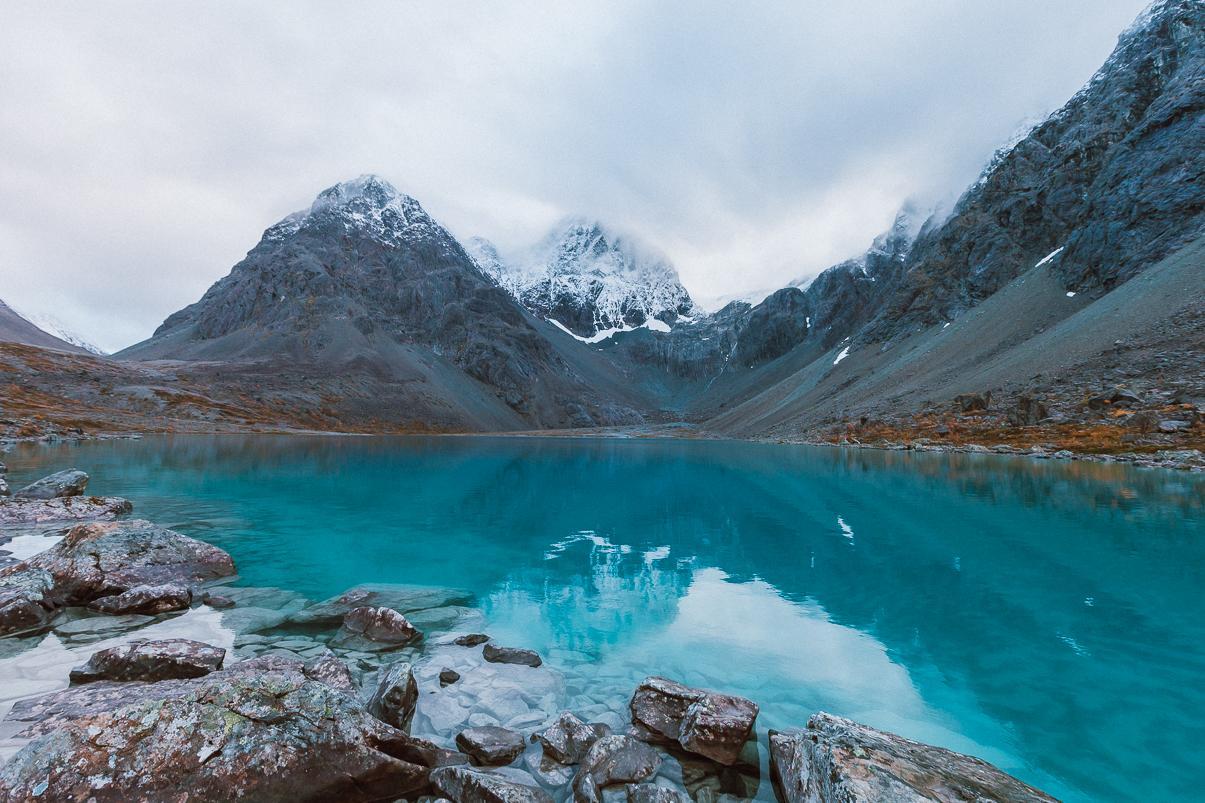 blåvatnet the blue lake hike lyngen alps norway