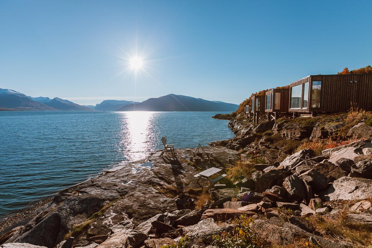 aurora mini cabins airbnb lyngenfjord accommodation lyngen norway