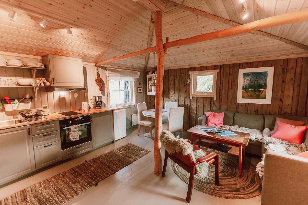 aurora finnmark turf house airbnb Norway