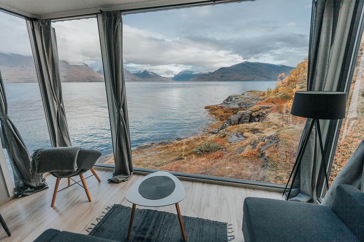 mini fjord cabin lyngen norway